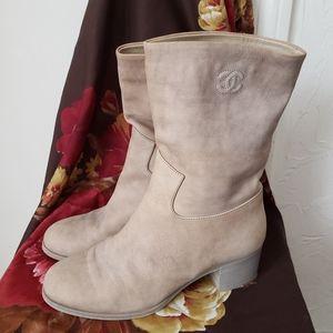 Beautiful tan leather Chanel midi boots size 8M